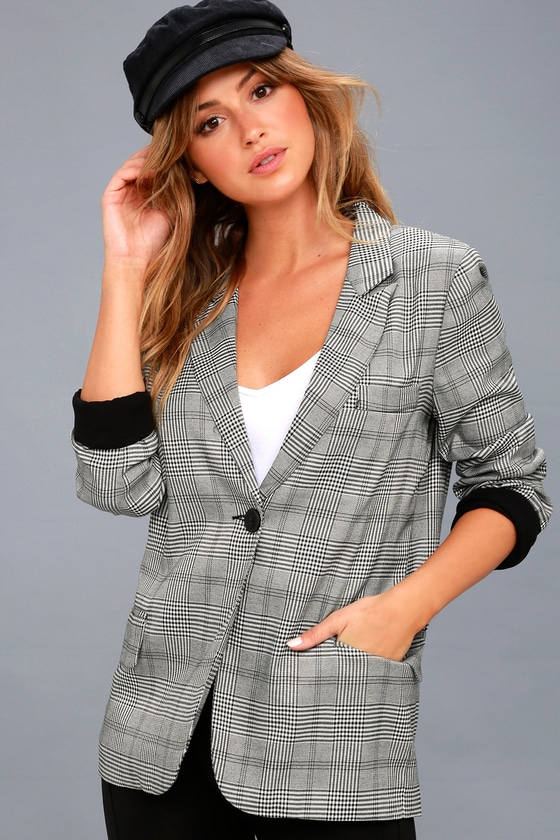 Vintage Style Coats, Jackets, Faux Fur, Tweed Day by Day Black and White Plaid Blazer $81.00 AT vintagedancer.com