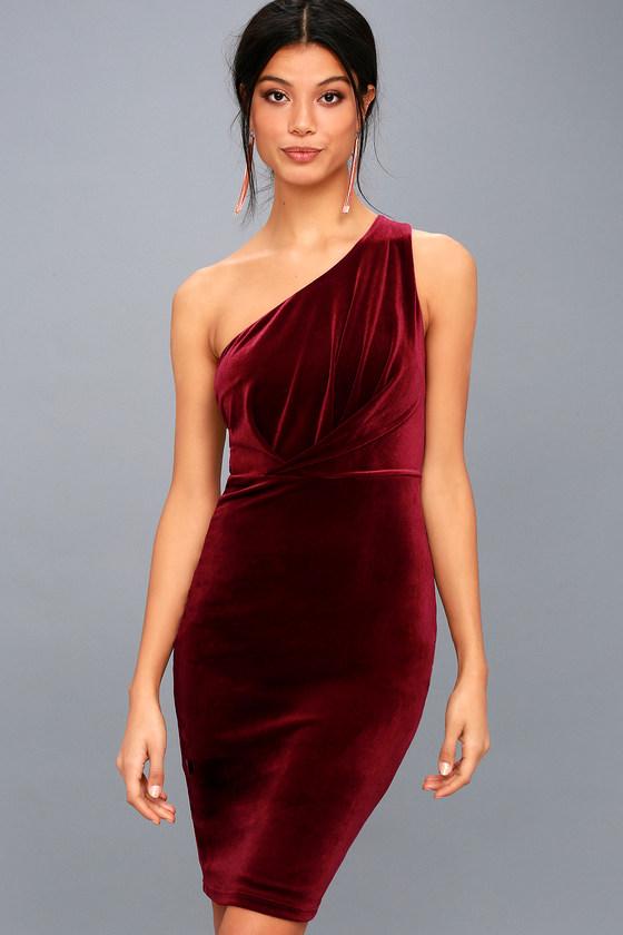 Candlelit Date Burgundy Velvet One-Shoulder Bodycon Dress 1