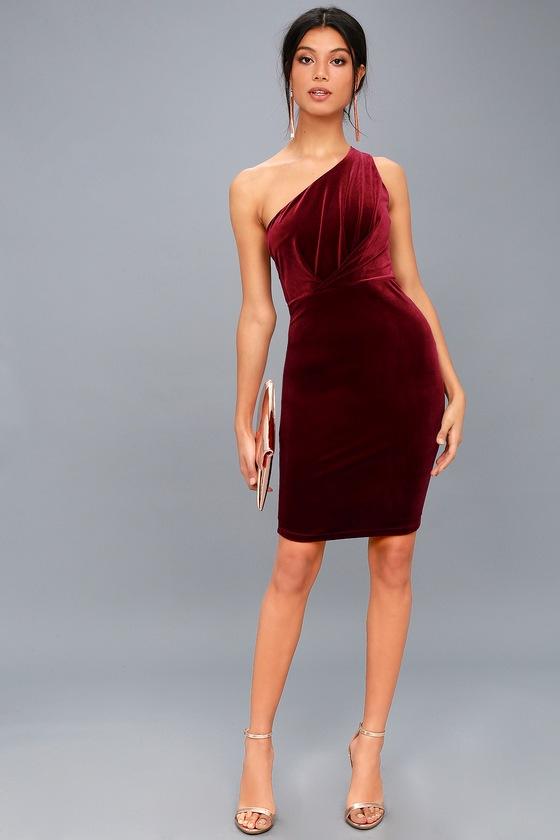 b2d1514306 Candlelit Date Burgundy Velvet One-Shoulder Bodycon Dress