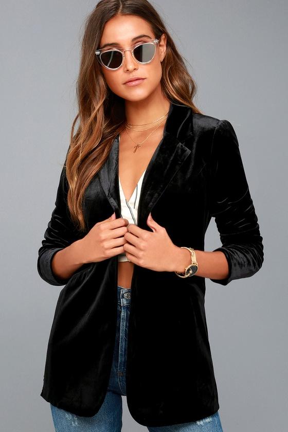 Amani Black Velvet Blazer