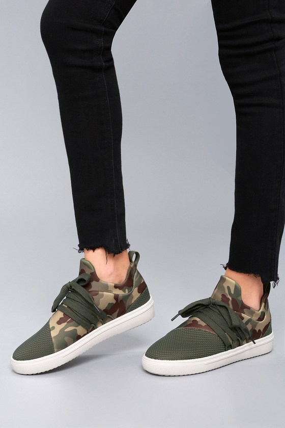 bcac632f75b Steve Madden Lancer - Street Style Sneaker - Camo Sneakers
