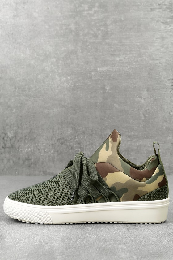 e22e73054ac Steve Madden Lancer - Street Style Sneaker - Camo Sneakers