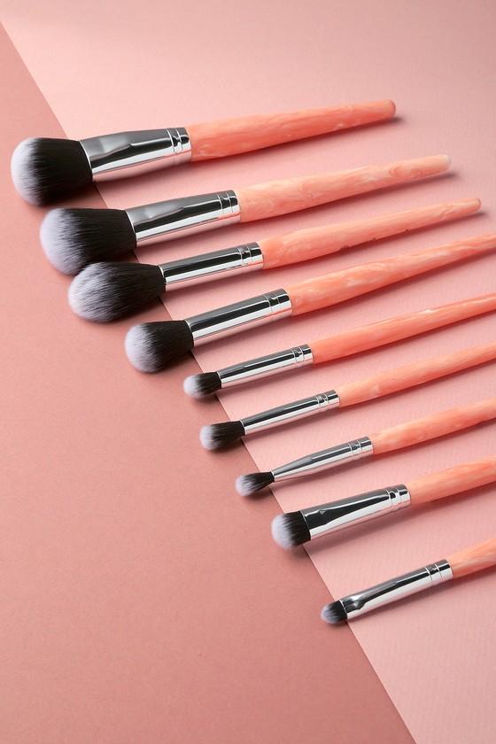 bh cosmetics rose quartz brush set synthetic brush set. Black Bedroom Furniture Sets. Home Design Ideas