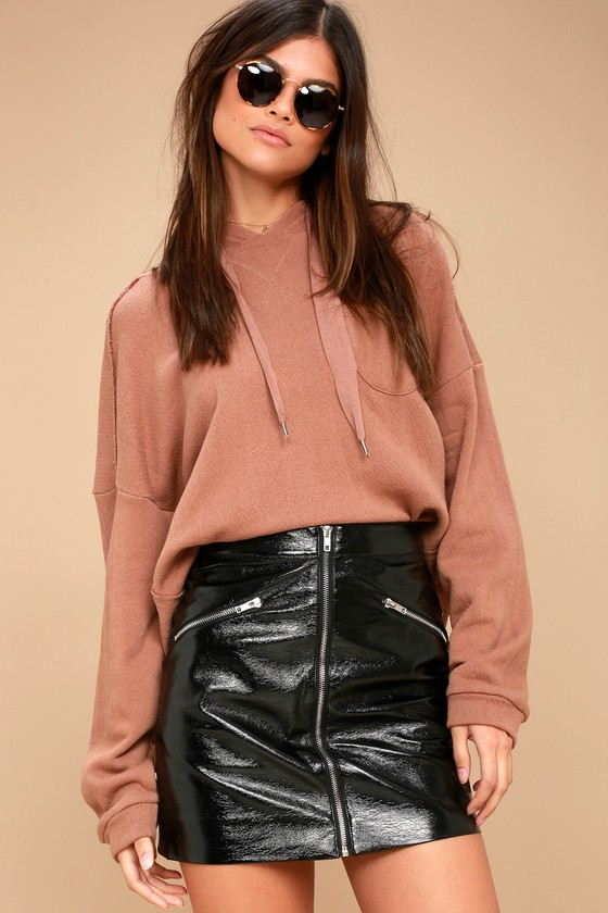 Calabria Black Patent Vegan Leather Mini Skirt 3