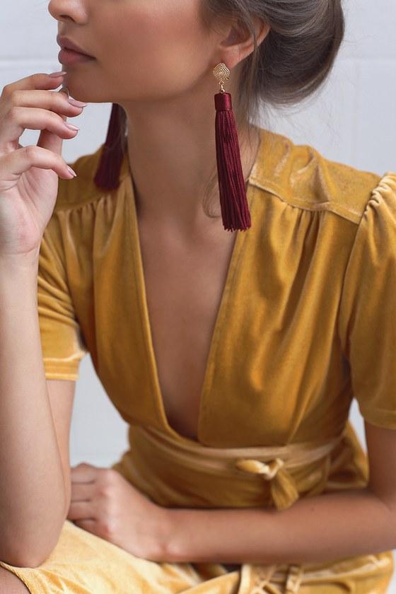 Royal Ways Burgundy Tassel Earrings 1