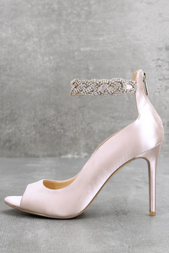 2b79be51726b Jewel by Badgley Mischka Alanis - Champagne Satin Heels