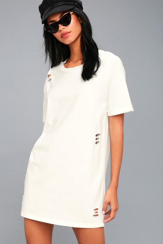 6171e9ef2b09 Trendy T-Shirt Dress - White Dress - Distressed Dress