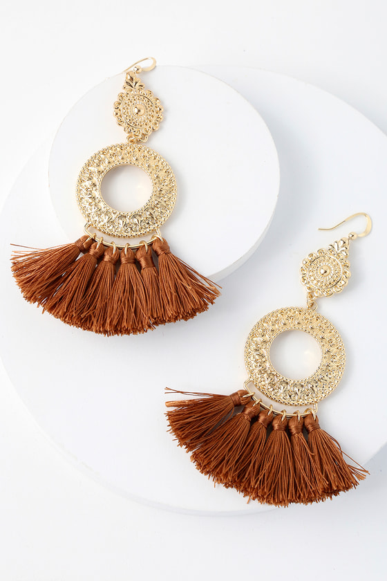Ornament to Be Gold and Brown Tassel Earrings 1