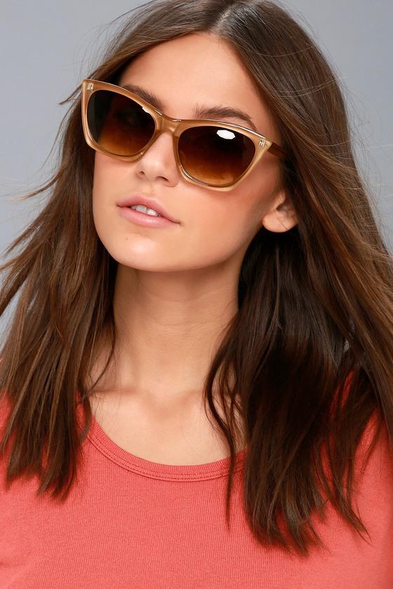 Unique Retro Vintage Style Sunglasses & Eyeglasses Melanie Black and White Cat-Eye Sunglasses - Lulus $17.00 AT vintagedancer.com