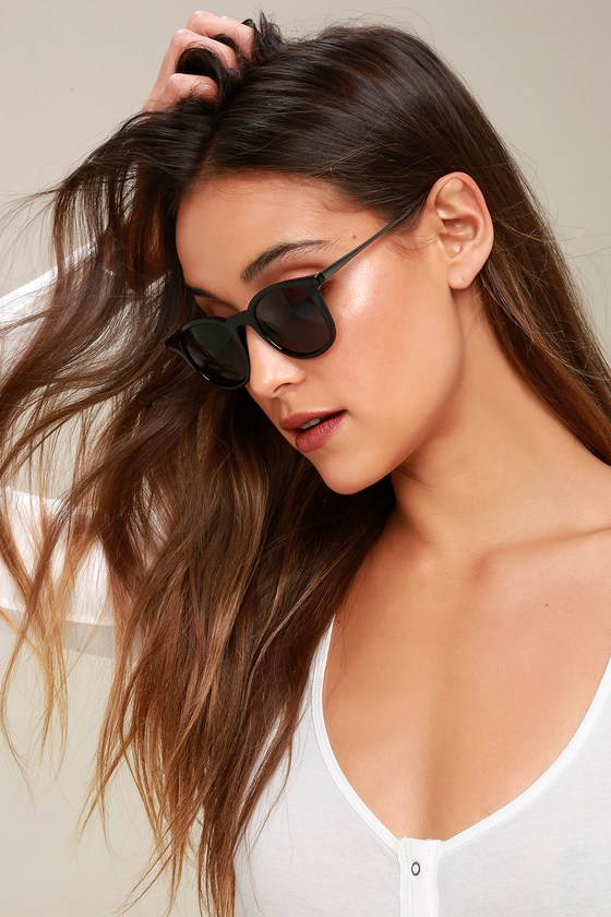 Lulus Exclusive! Streamline your OOTD with the Inline Black Sunglasses! These trendy shades have round, black frames that hold tinted lenses. Frames measure 5. 5\