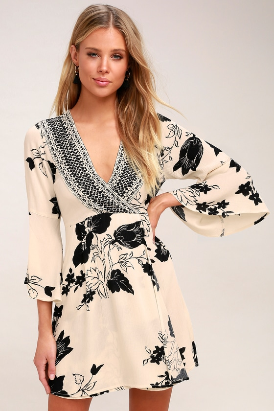 16e36366540 Billabong Divine - Floral Print Dress - Bell Sleeve Dress
