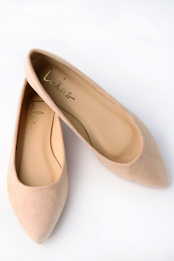 You can\\\'t go wrong with the classic style of the Lulus Holly Light Nude Suede Flats! Vegan suede covers the pointed toe and low-cut collar. Slip-on design. Fit: This garment fits true to size. 0. 25\\\