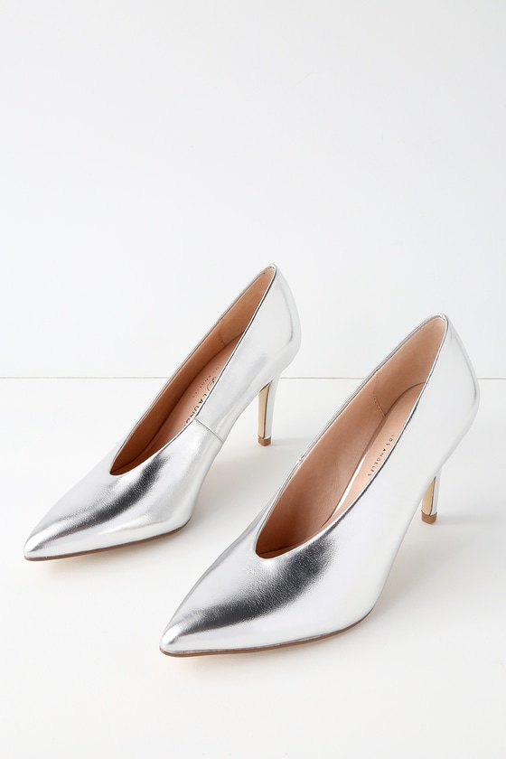 Chinese Laundry RIAN SILVER POINTED TOE PUMPS