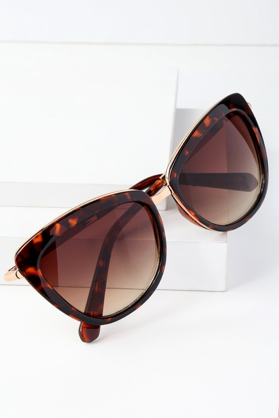 LuLus Dawn Delight Tortoise Sunglasses