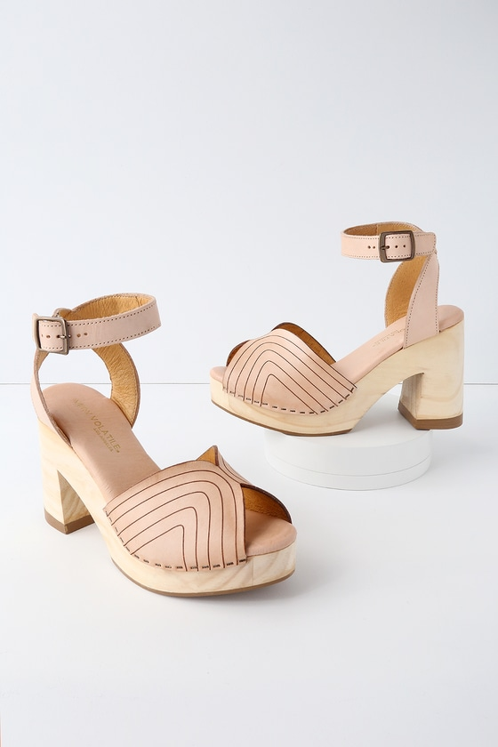 9b27dd40d9a Very Volatile Leominster - Nude Leather Platform Sandals
