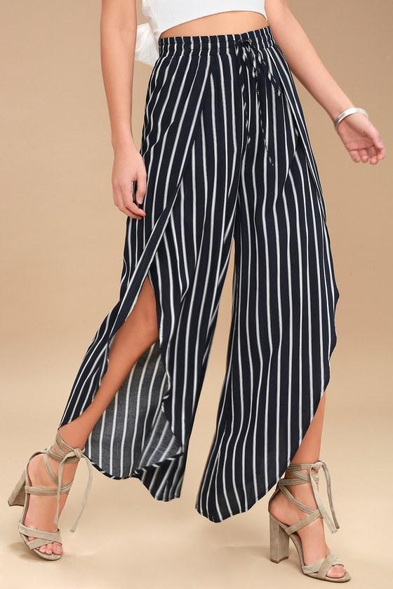 d7668b4dc882 Chic Wide-Leg Pants - Tulip Hem Pants - Striped Pants