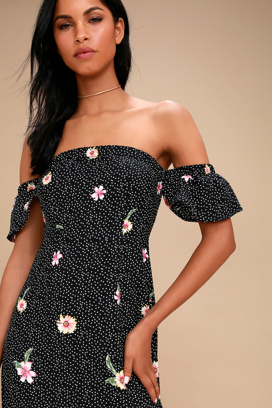 5365860f5546 dancing-daisies-black-floral-print-off-the-shoulder-