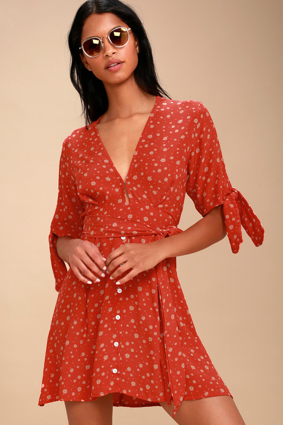 BIRGIT CORAL RED FLORAL PRINT TIE-SLEEVE DRESS FAITHFULL THE BRAND