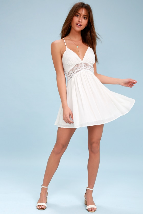 White Lace Backless Dress