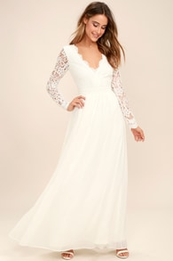 Trendy White Dresses for Women in the Latest Styles  157a78a239bf