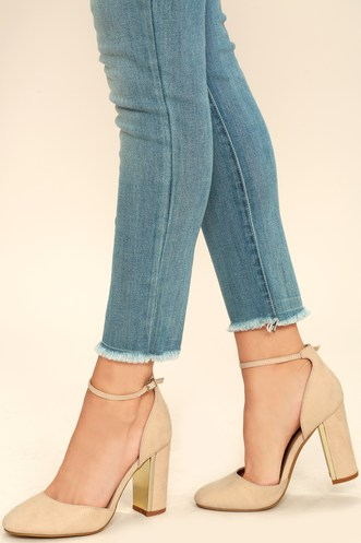 20c9d115fa5 Pretty Women s Ankle-Strap Heels in the Latest Styles