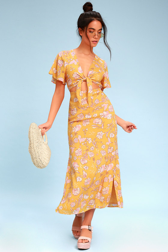097a582de3ee Bohemian Rhapsody Yellow Floral Print Tie-Front Maxi Dress