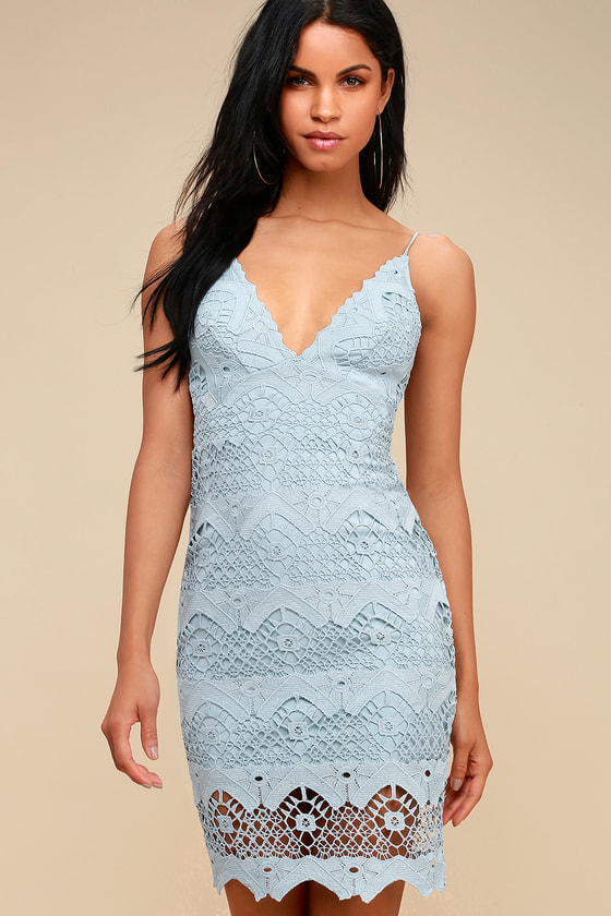 Light blue bodycon lace grad dress