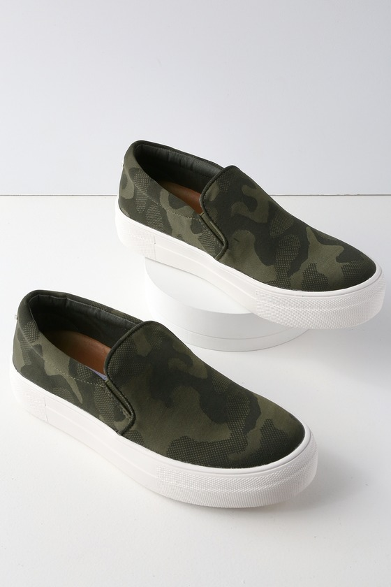 0a626a55bcf1 Steve Madden Gills - Camouflage Sneakers - Slip-On Shoes