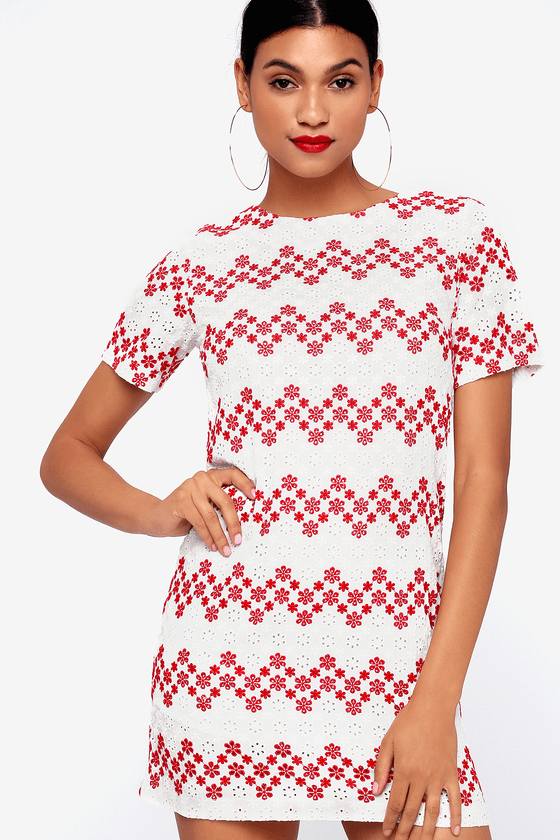 I Madeline MAIN SQUEEZE RED AND WHITE FLORAL EMBROIDERED SHIFT DRESS