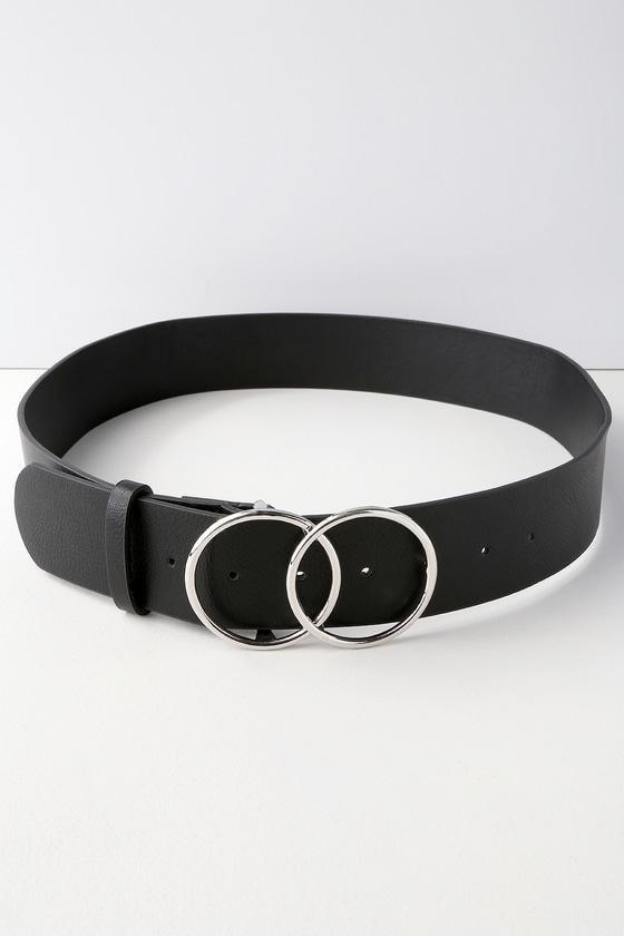 Yanny Black Double O Ring Belt by Lulu's