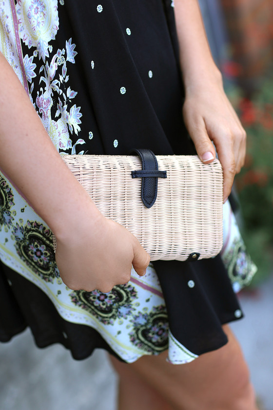 Nob Hill Beige And Black Woven Basket Clutch by Lulus