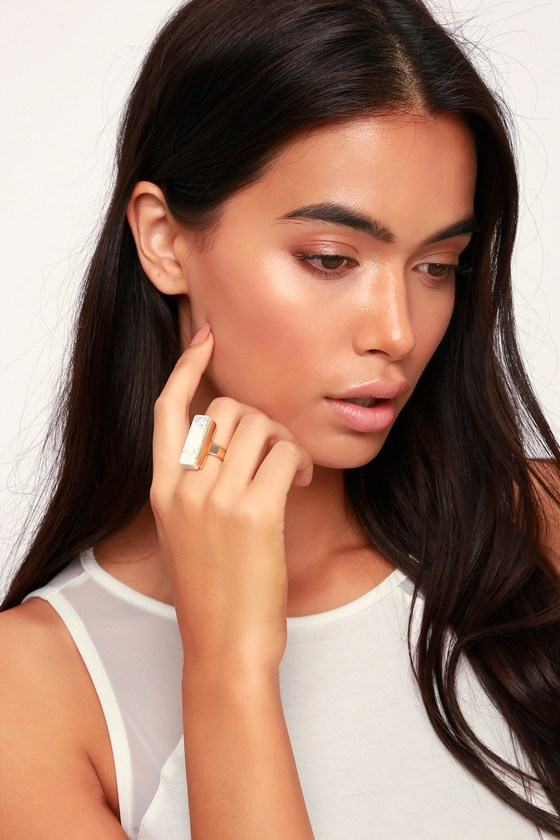 Abelia Gold And White Marble Ring by Lulus