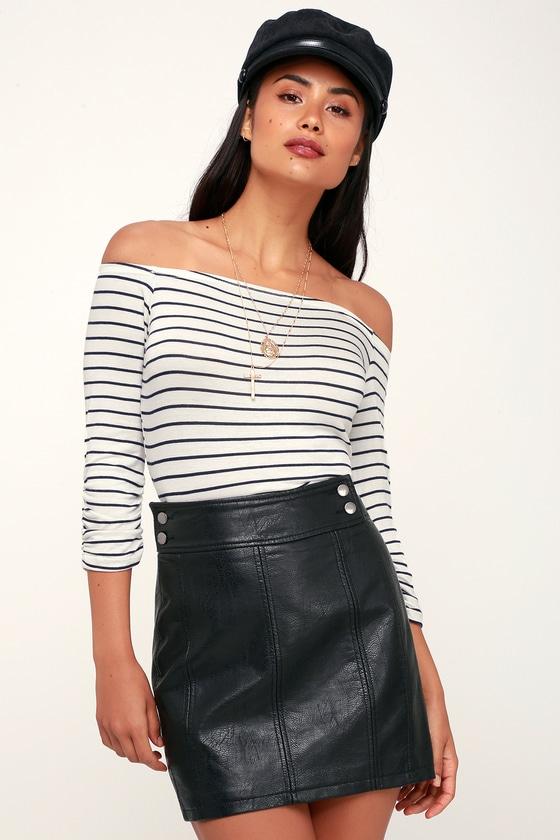 5ef3fbde4 Free People Retro - Black Skirt - Vegan Leather Mini Skirt