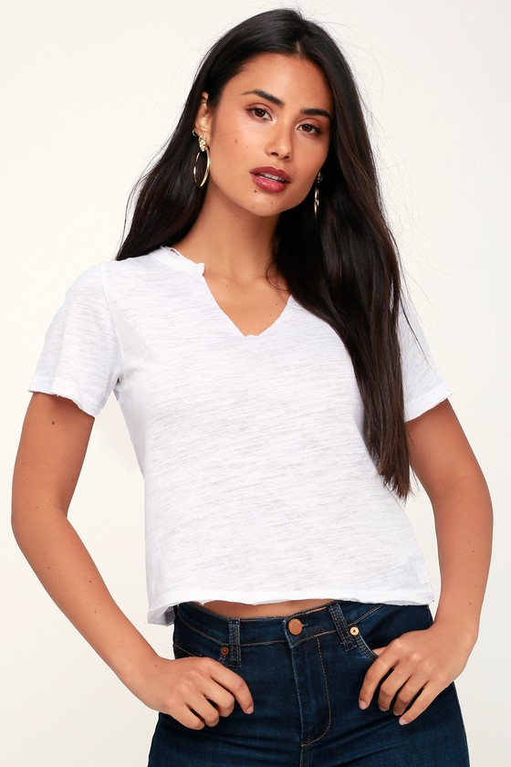 5a0b6b473e5327 DAY Rebel - Notched Tee - Cropped Tee - White Tee - Burnout Tee
