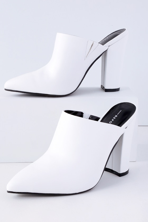 Report Finch - White Mules - Pointed