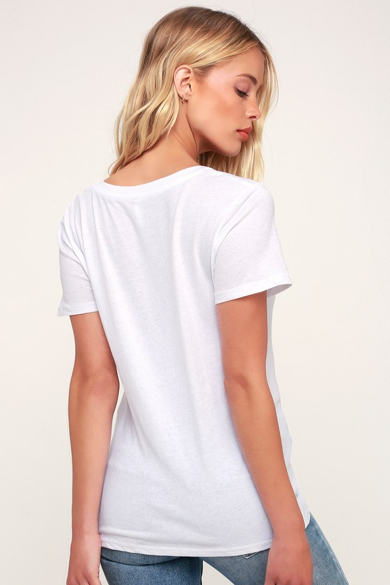 679fb7d4bb51 Z Supply The Twist Front Tee - White V-Neck Tee - Knotted Tee