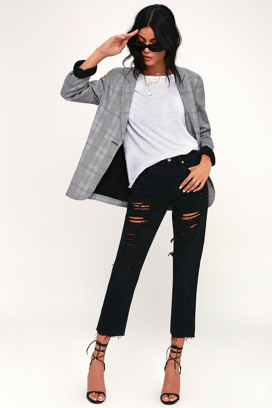 501 Cropped Black Distressed Jeans - Lulus