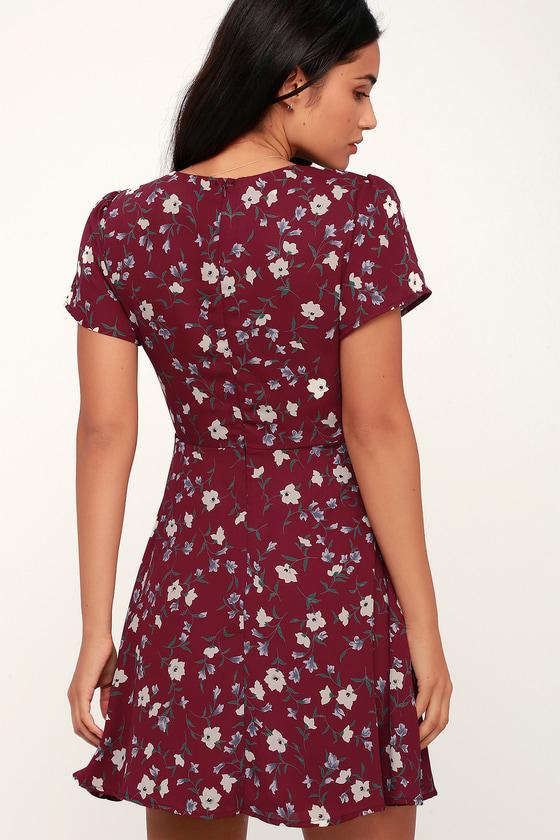 101e457c4fc Dolly Burgundy Floral Print Short Sleeve Surplice Dress