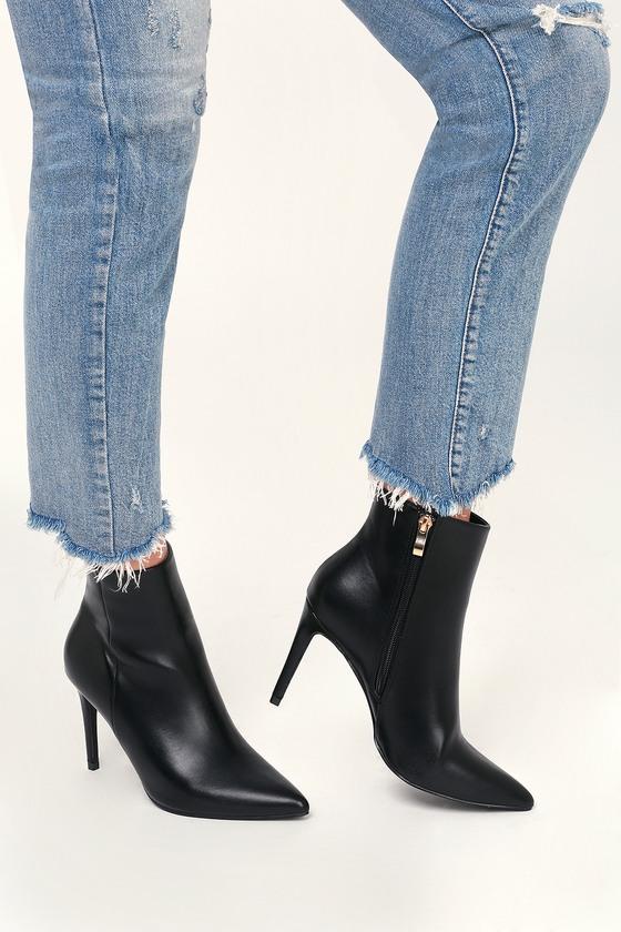 Selenah Black Pointed Toe Ankle Booties