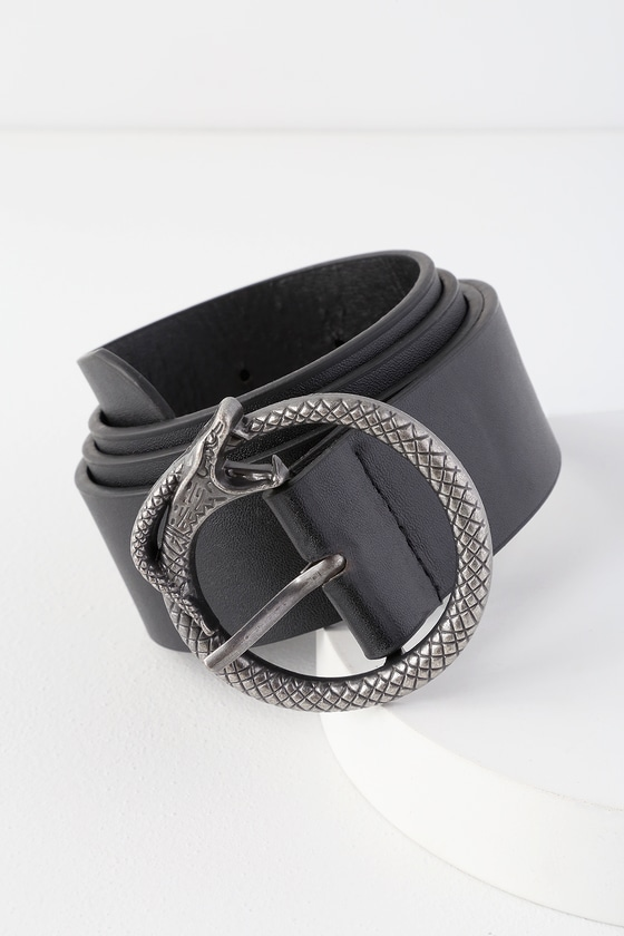 Don\'t let this statement-making belt slither away! The Lulus For Goodness Snake Silver and Black Belt will add a delightfully edgy touch to any outfit with its black vegan leather body and silver snake-shaped buckle. 1. 5\