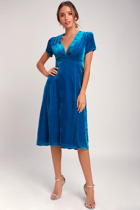 1940s Dresses | 40s Dress, Swing Dress Margie Blue Velvet V-Neck Midi Dress - Lulus $118.00 AT vintagedancer.com