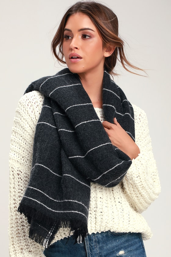 Thomsen Dark Grey Plaid Oversized Scarf