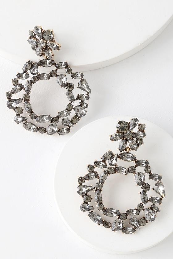 Lovely grey earrings