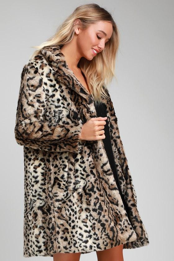 f83ccdc395e6 BB Dakota Bradshaw - Leopard Faux Fur Coat - Leopard Print Coat