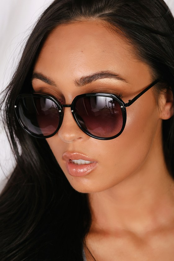 Love Bug Matte Black Round Sunglasses by Lulus