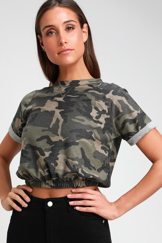 370dc24cf92 Cute Olive Green Camo Print Top - Crop Top - Short Sleeve Top
