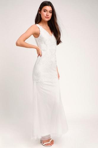 11a1ef2d6da Casual Bridal Dresses for Pretty and Practical Brides
