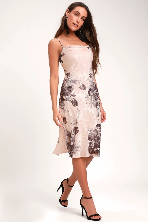 LYNETTE BLUSH FLORAL PRINT MIDI SLIP DRESS