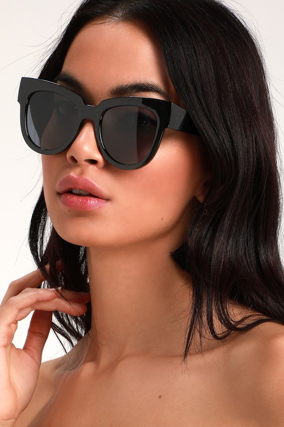 Everyone will be dying to talk to you in the Lulus Say Hey Black Oversized Sunglasses! These essential oversized sunnies have chunky square frames, matching flat, black tinted lenses, and a totally glam look. Frames measure 5. 75\