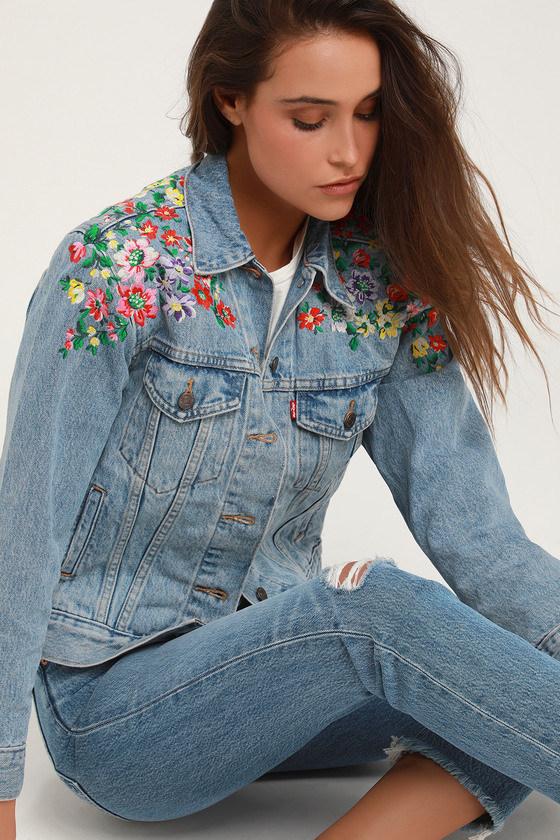 377058000d Ex-Boyfriend Trucker Light Wash Floral Embroidered Denim Jacket